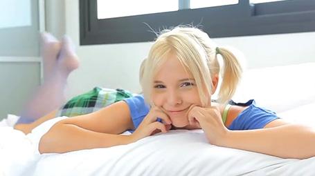 Videos incestos com novinha linda de olhos azuis